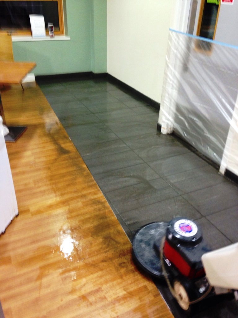 Deep cleaning porcelain floor tiles at an nhs hospital in cottingham deep cleaning porcelain tiled floor cottingham hospital dailygadgetfo Choice Image